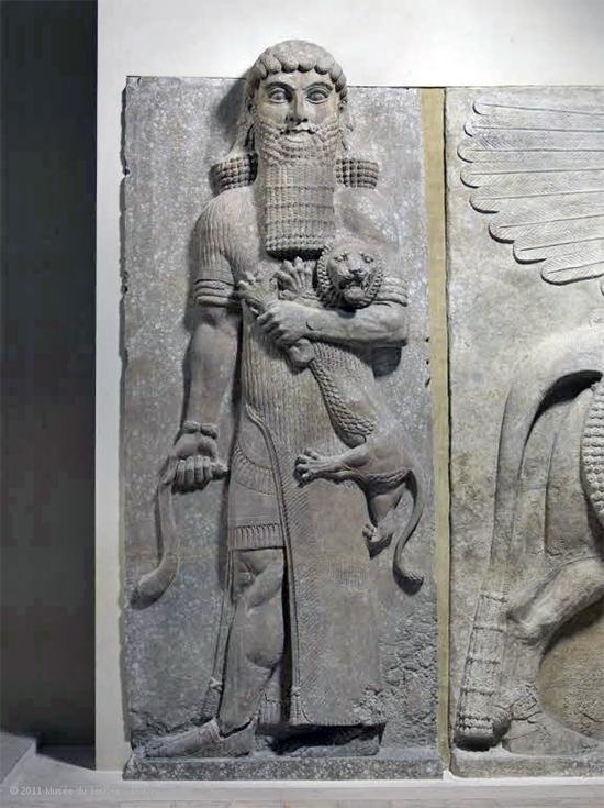 Герой ближневосточного эпоса Гильгамеш шутя убивающий льва