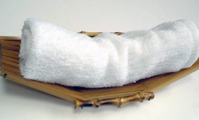 Осибори - горячая влажная салфетка. непременный атрибут японского традиционного обеда