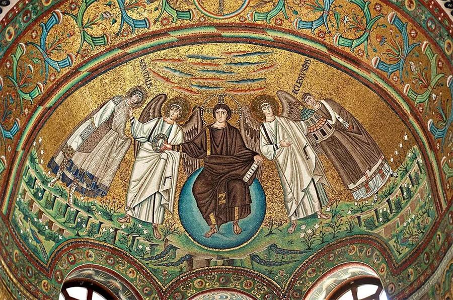 Образец византийского искусства - роспись купола церкви Сан-Витале