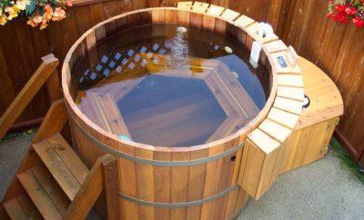 «Фуро» - бассейн (бочка) с горячей водой - «главное блюдо» японской бани
