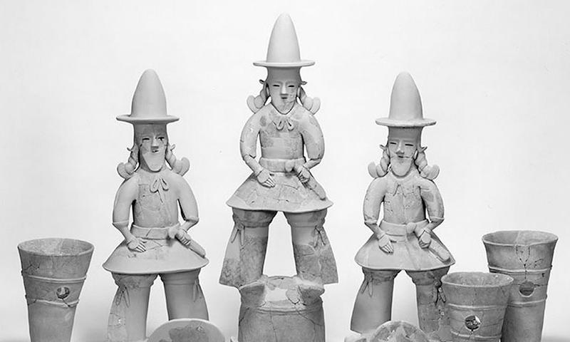 Ритуальные фигурки ханива - именно они дают нам представление об костюме японцев во времена предшествующие средневековью