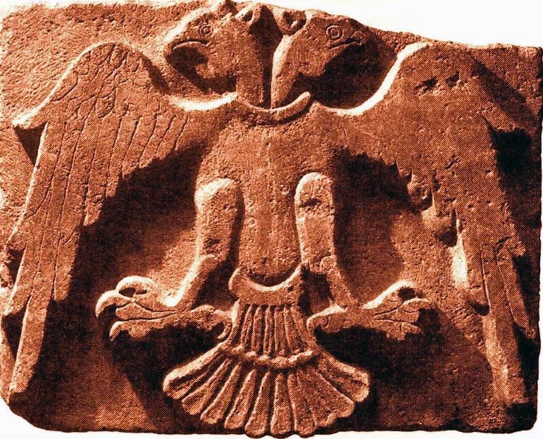 В символике какой страны впервые появился двуглавый орел? Верно - царства хеттов!