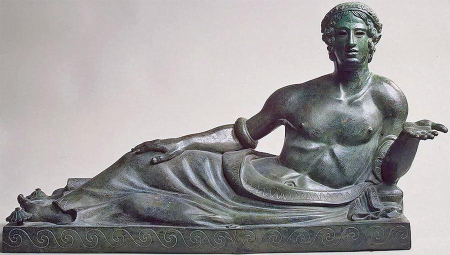 Декоративная крышка погребального саркофага этрусков