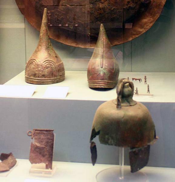 Бронзовые шлемы урартов в экспозиции музея